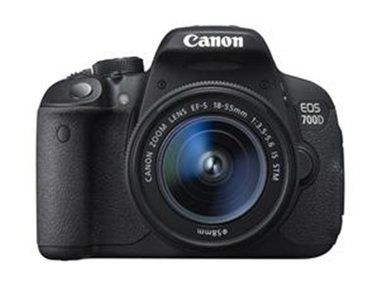 Canon EOS 700D + 18-55 mm DC III